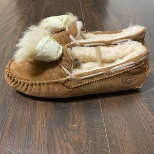 Ugg Dakota Pom Pom moccasin slippers